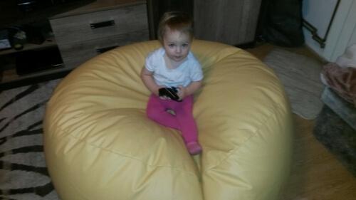 Izabelka na sedacím vaku