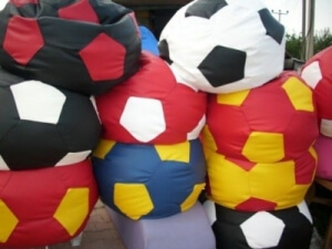 Fotbalové míče - různé barvy