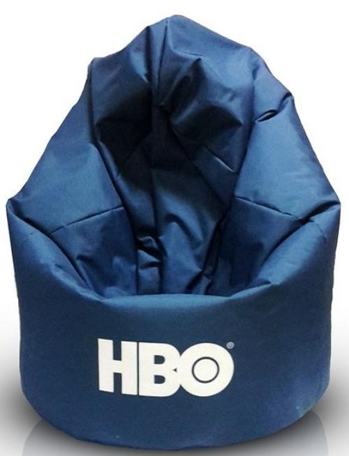 logo HBO na sedacím vaku