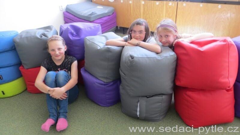 Vaky Primabag ve škole v Náchodě