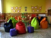 Škola se sedacími vaky